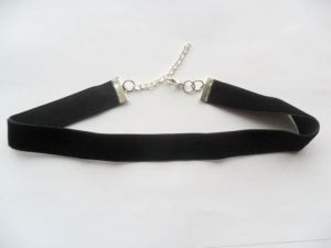 Black Velvet Choker: Period Drama Fashion