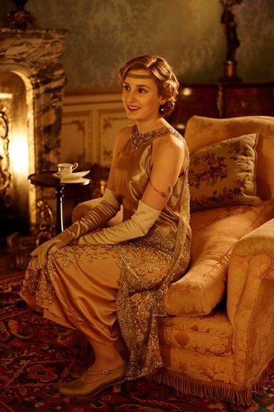 Downton Abbey Season 6 Episode 1: Lady Edith fashion