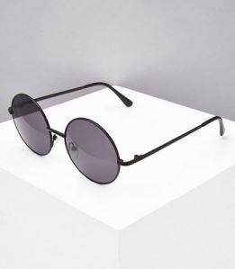 Black matte frame round sunglasses