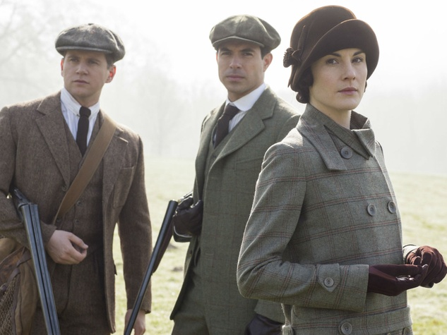 Downton-Abbey-Season-Five_ Lady mary in hunting tweed