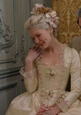 Marie Antoinette Yellow Top Screencap